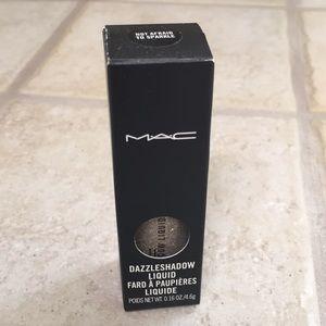 "MAC Dazzleshadow Liquid ""Not Afraid to Sparkle"""